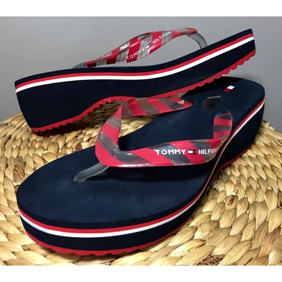 b660ca71ec3830 Tommy Hilfiger Womens Wedge Flip Flops Sandals 10